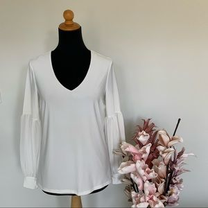 Melanie Lyne top with bell sleeves size XS